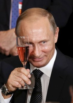 putin-cheers